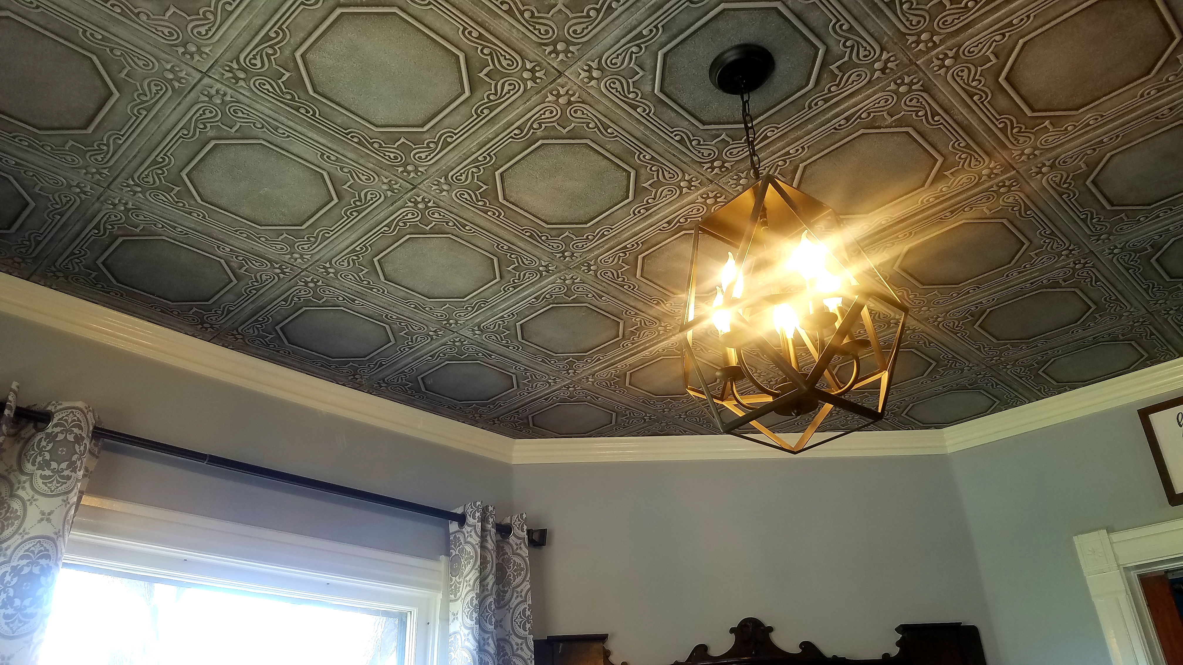 Living Room w/ Ceiling Tiles and Crown - Photo Contest