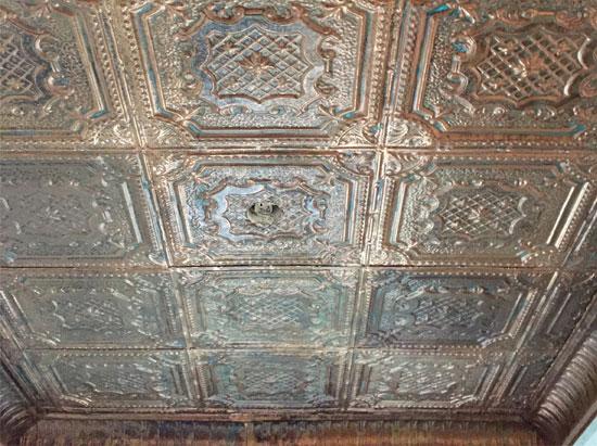 Elizabethan Shield – Copper Ceiling Tile – 24″x24′ – #2421