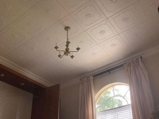 Bourbon Street – Styrofoam Ceiling Tile – 20″x20″ – #R43