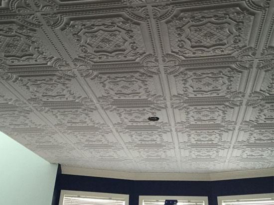 Elizabethan Shield – Faux Tin Ceiling Tile – 24″x24″ – #DCT 04