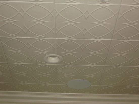 Circles and Stars – Styrofoam Ceiling Tile – 20″x20″ – #R82
