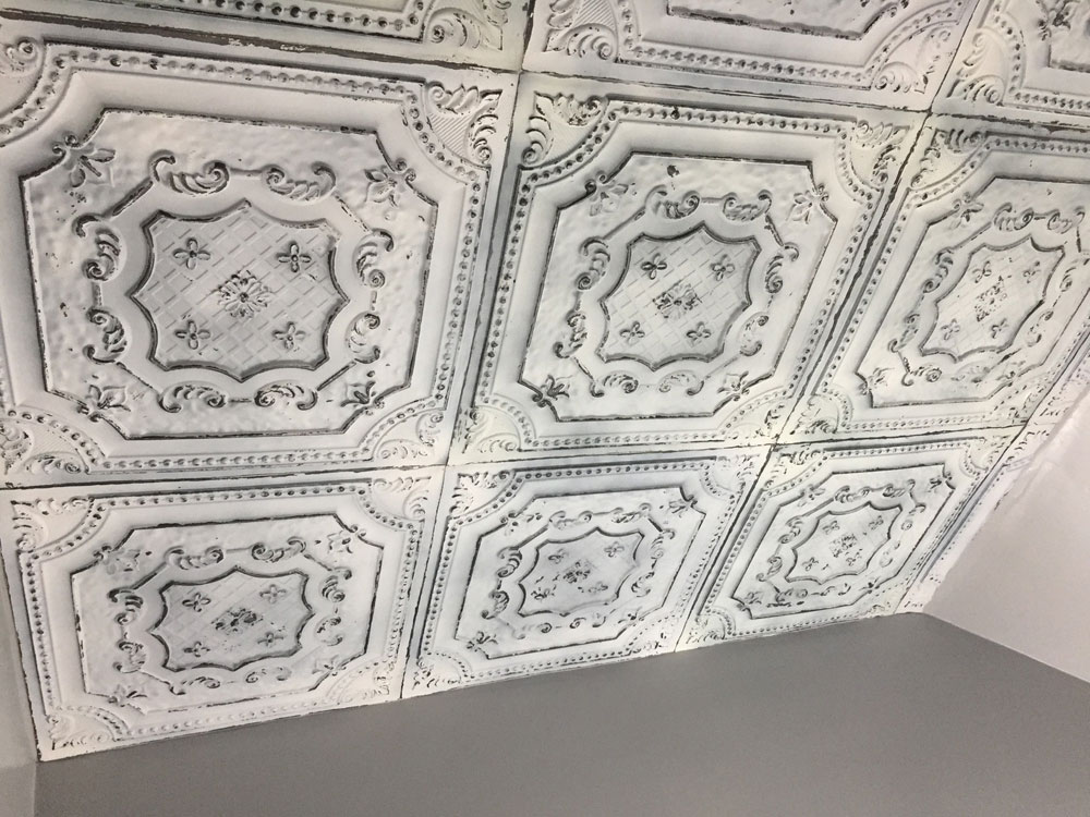 Elizabethan Shield Faux Tin Ceiling Tile 24x24 Dct 04 Dct