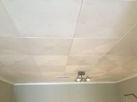 Styrofoam Ceiling Tile – 20″x20″ – #R124