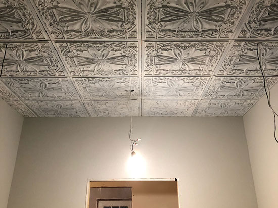 Milan – Faux Tin Ceiling Tile – 24 in x 24 in – #DCT 10