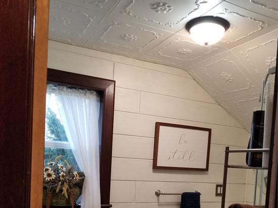 Bourbon Street Glue-up Styrofoam Ceiling Tile 20 in x 20 in - #R43 - Ultra Pure White