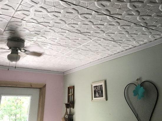 Styrofoam Ceiling Tile – 20″x20″ – #R179