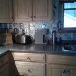 gwens_cabin_aluminum_backsplash_tile_0512_1024_1